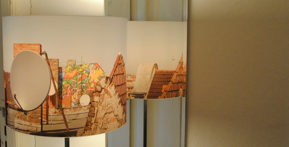 Fotolampe-Berlin: Dächer als gespiegelte Stehlampe